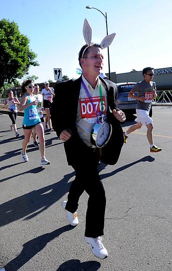 The White Rabbit running the 2012 Bolder Boulder